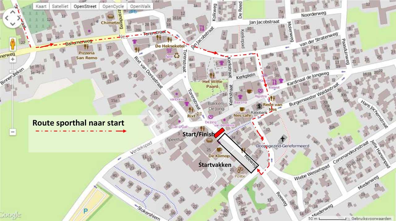 Route van sporthal naar finish in Nes